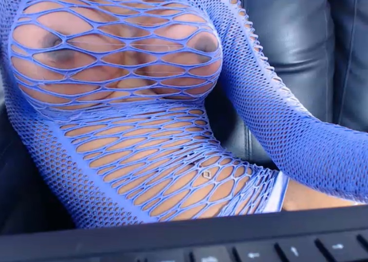 Valerymagicts in blue ready for blowjob