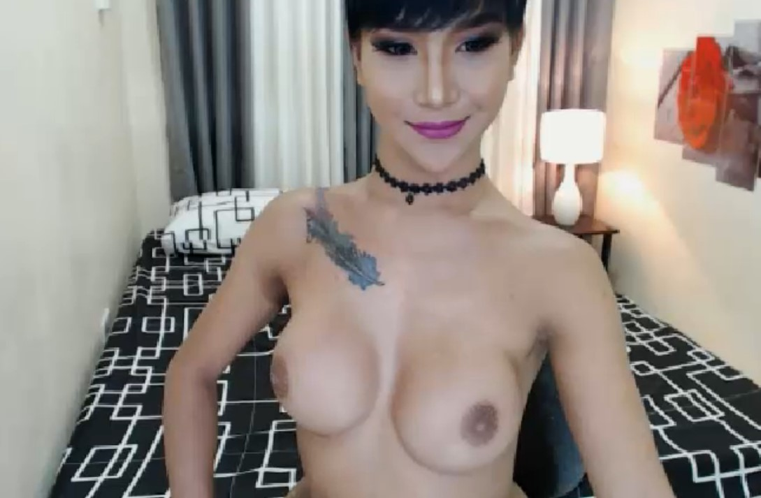 Kathalina with big boobs catches the show