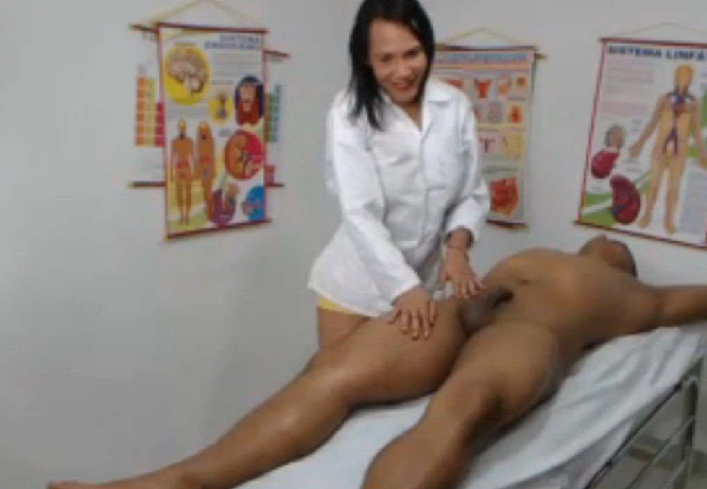 Live shemale masseur Franshessca and her friend