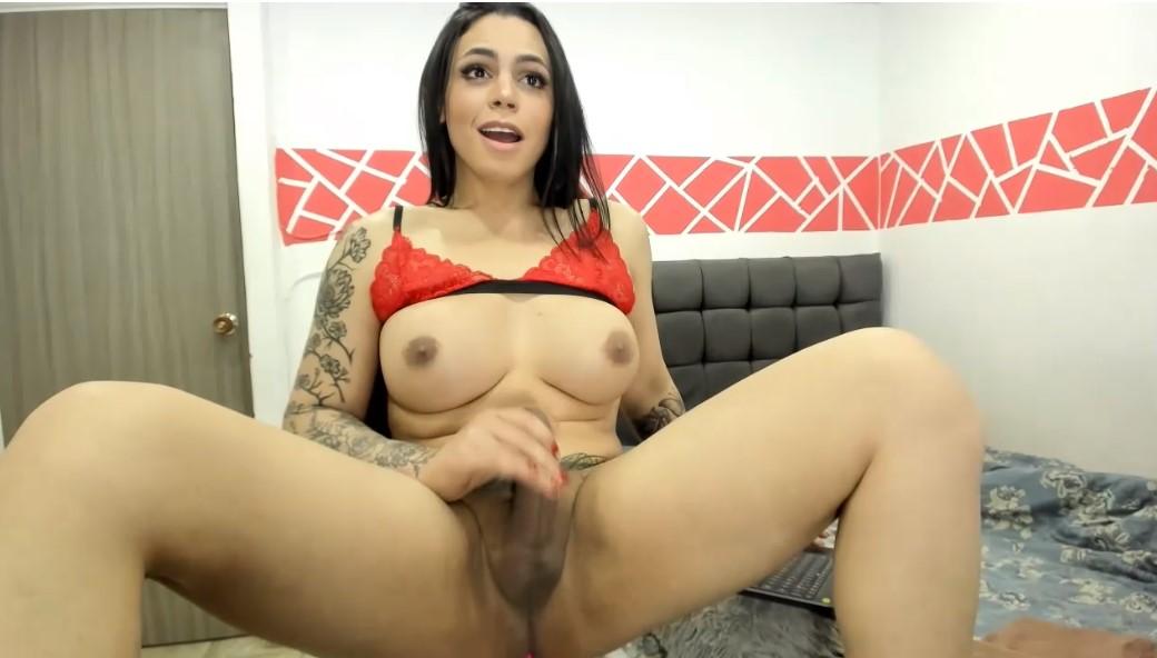 Masturbate with TS woman Kim