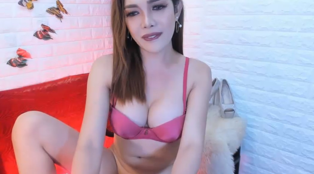 Ladyboy Fiona is here to surprise you